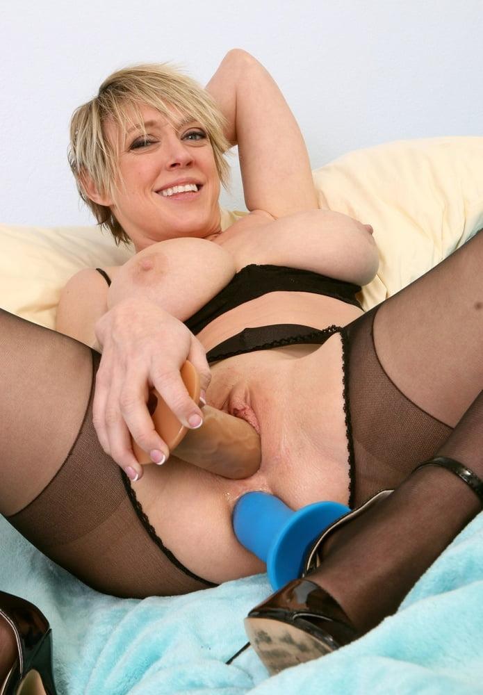 housewife-dildo-stockings