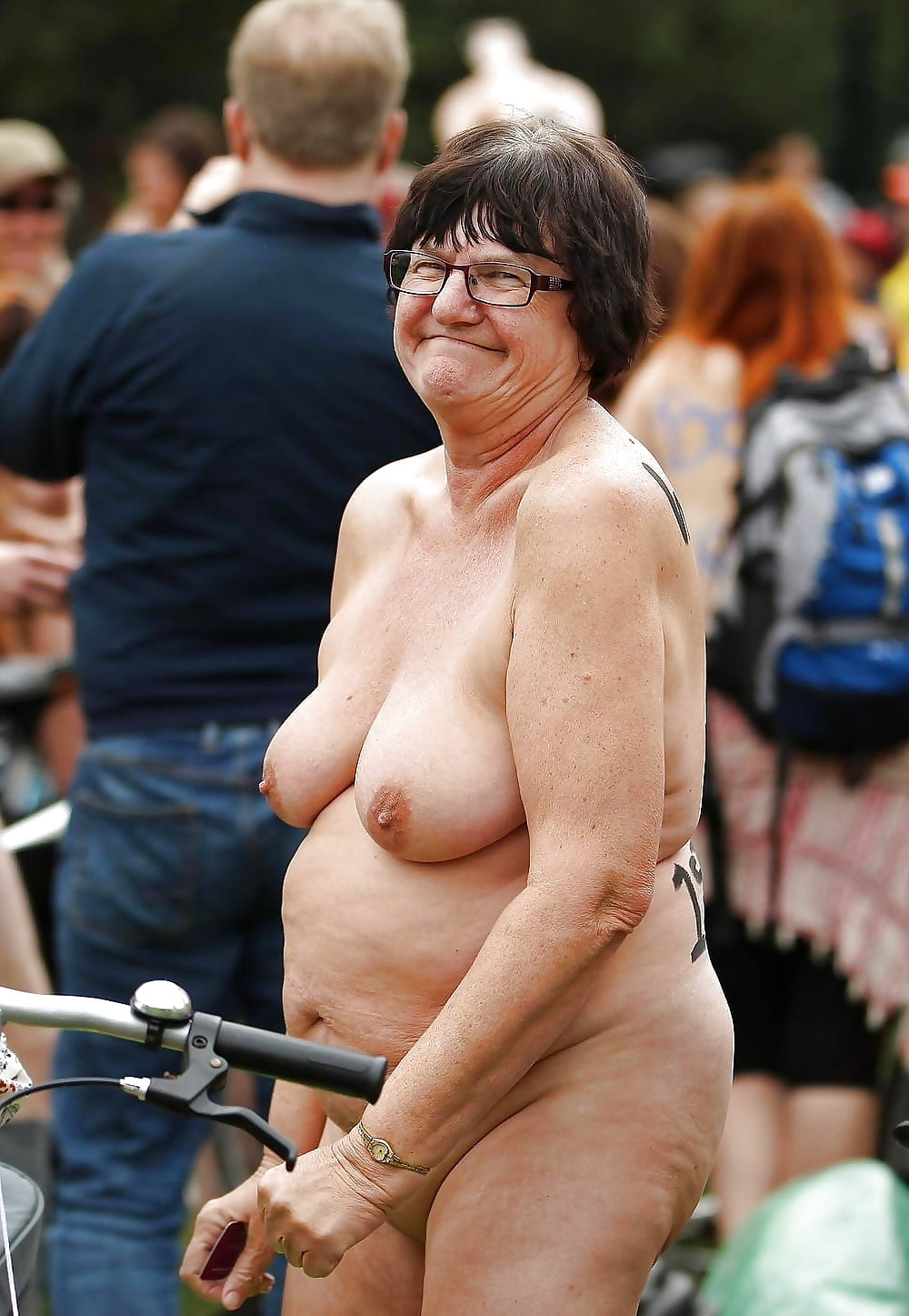nude-grannies-in-public