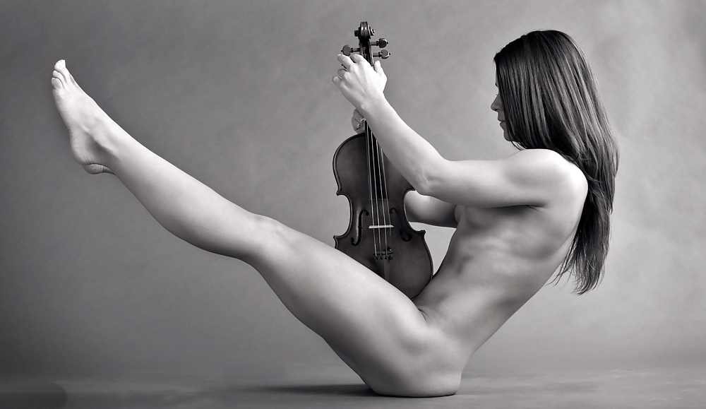 Nude photography in music — photo 10