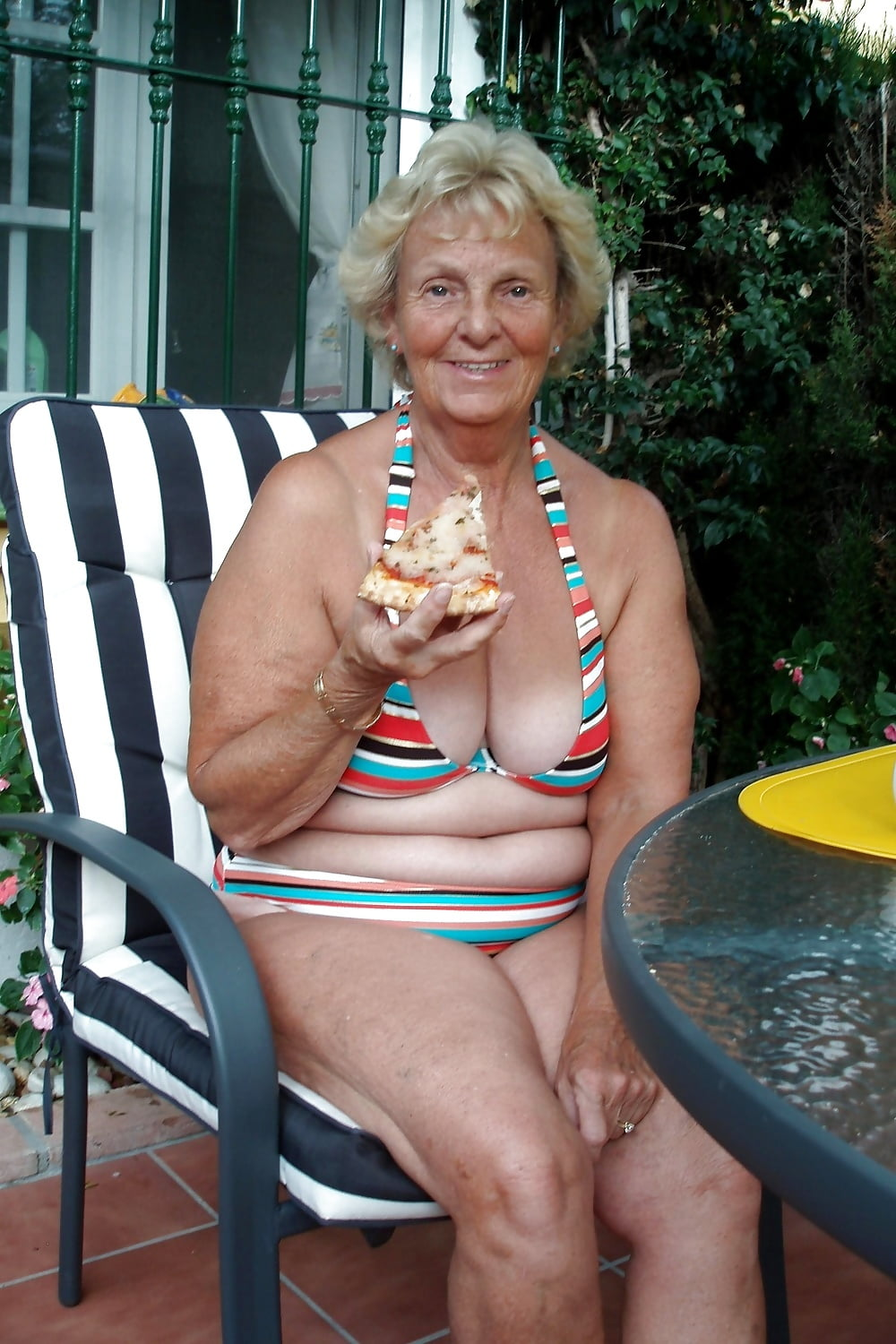 Busty old 60 plus granny pics