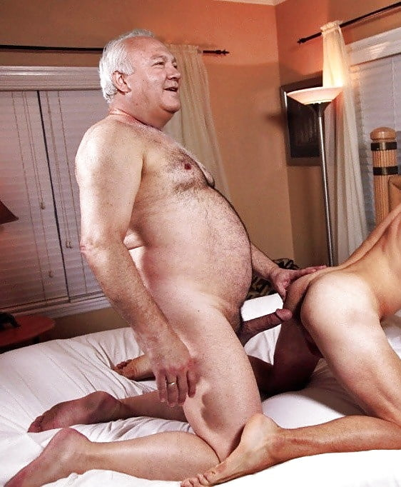 огромными черными секс пожилого мужчины с молодой любовницей предполагает полноценный сюжет