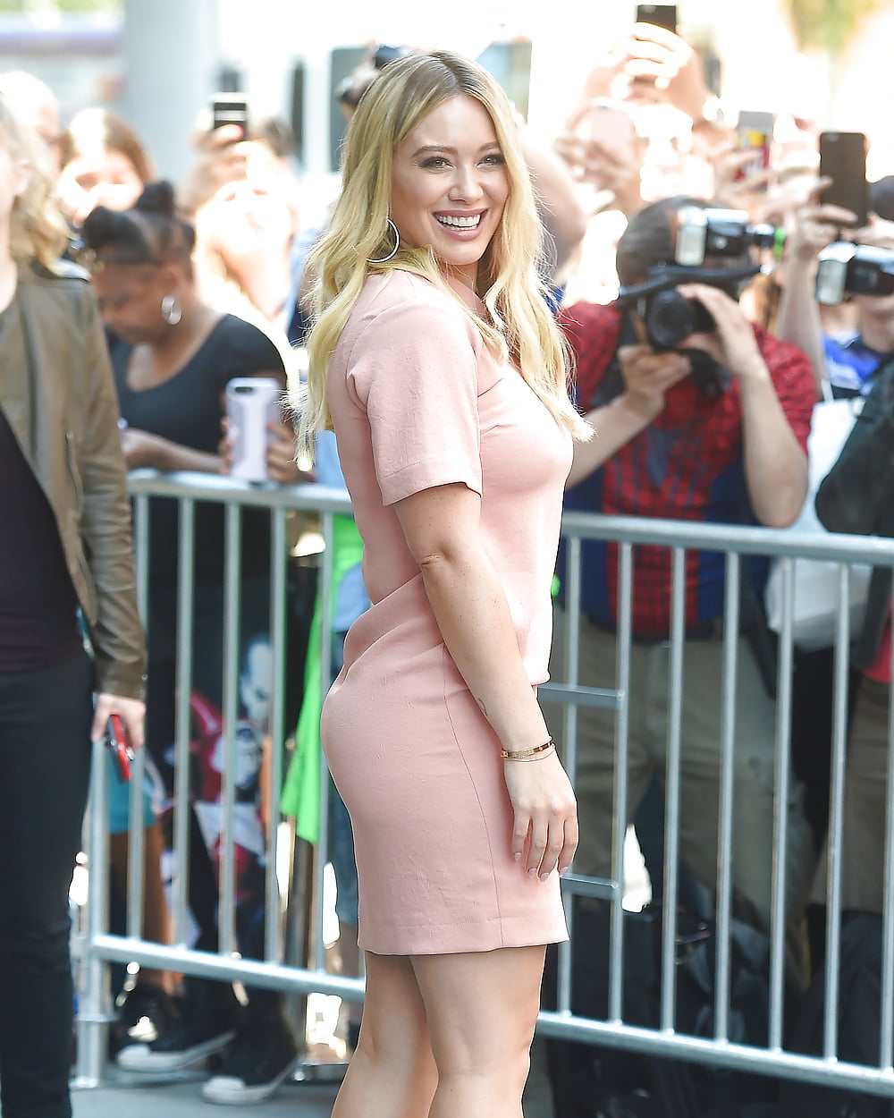 Hilary duff's hot pics