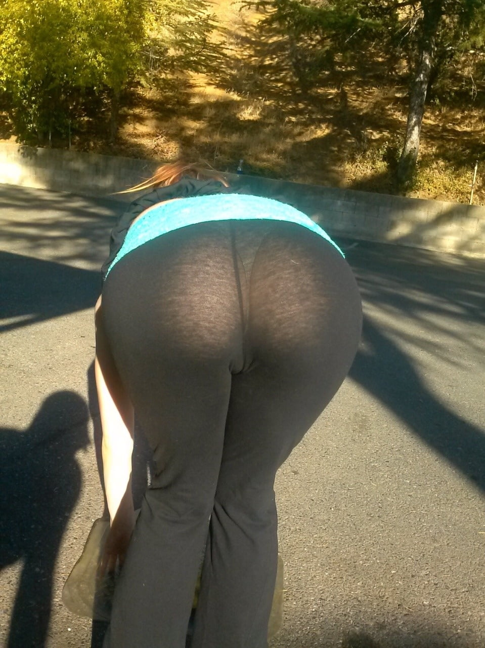see-your-pussy-through-yoga-pants-sexy-bitches-naked