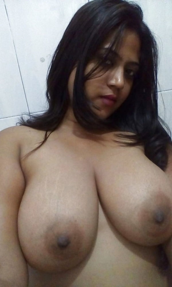 Paki selfie big boobs