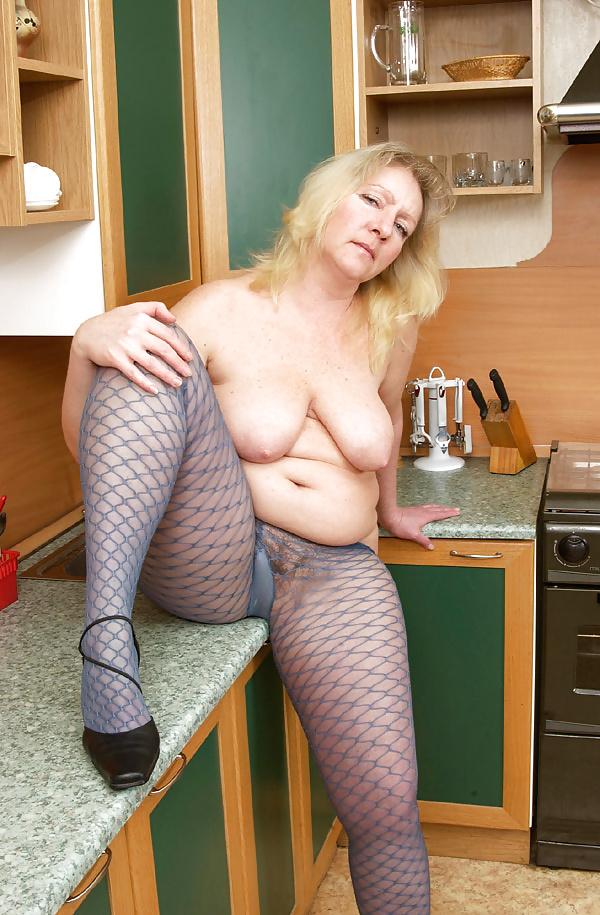 Mature tits mom-4569