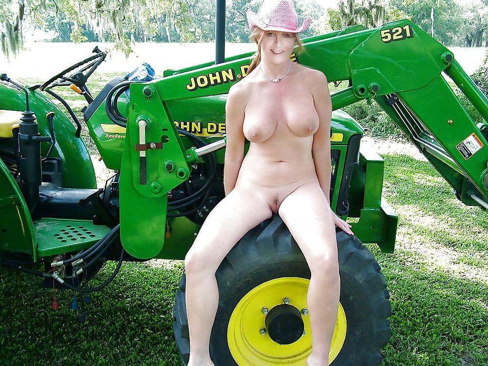 mature-redneck-girls-xxx-frankie-foster-home-nudes
