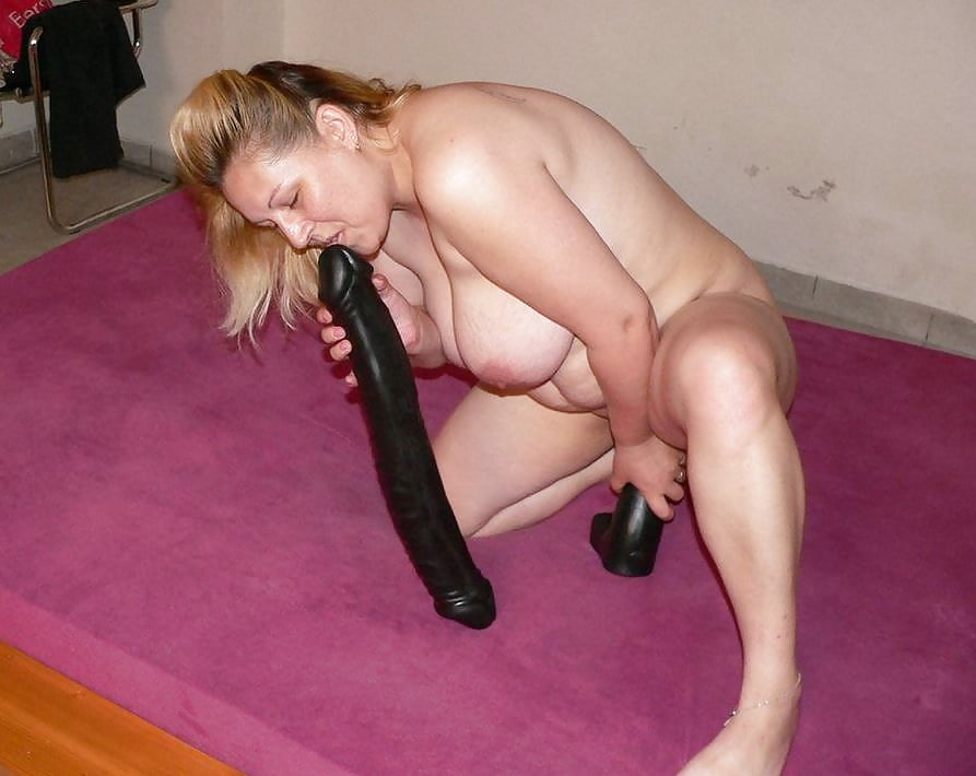 bizarre-mature-dildo-vids-amateur-couple-caught-having-sex
