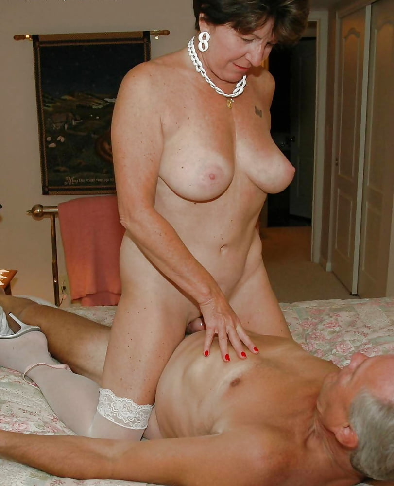 Grannies and matures naked with a friend- 130 Pics
