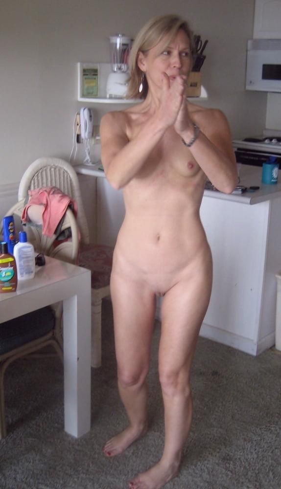 Sklaven Großmutter beim Omasex gefüllt