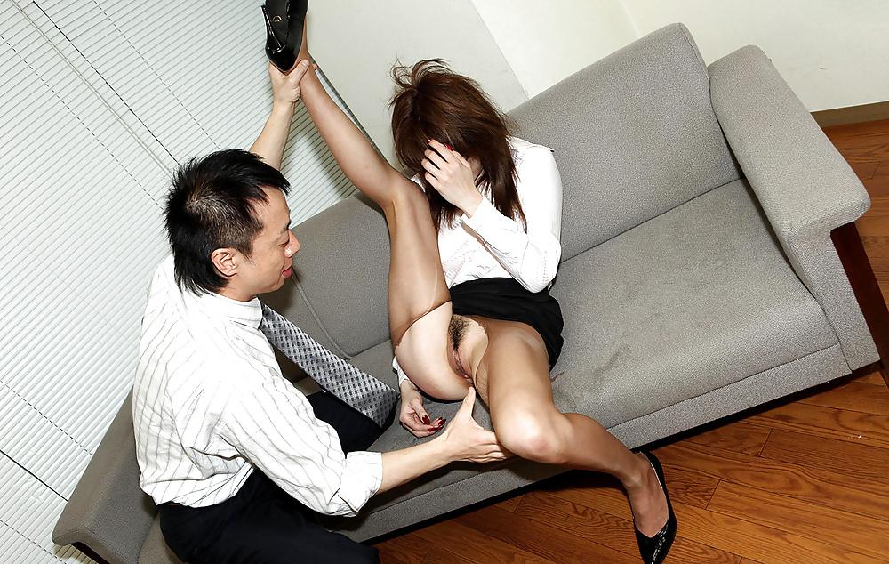 Порно кореянки в офисе — pic 1