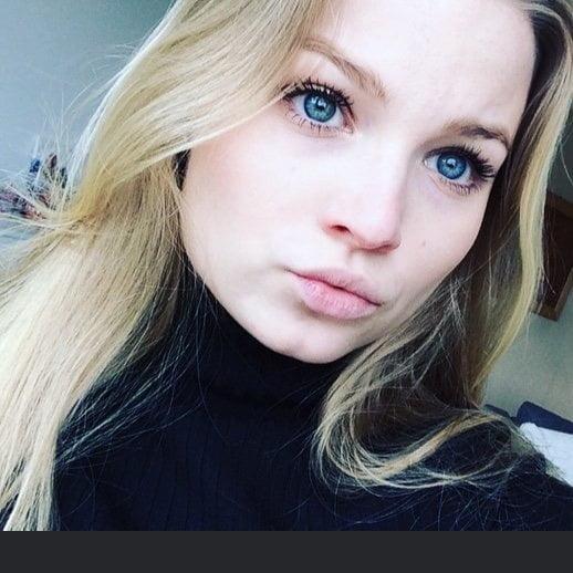 Hot blonde teen gallery