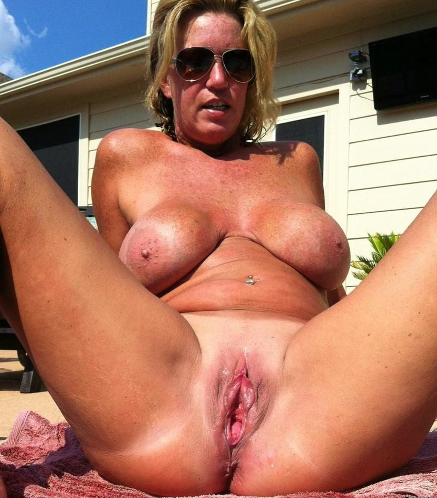 Mature Tits And Pussy Pics
