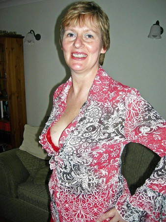 Sara a 57 year old UK Wife