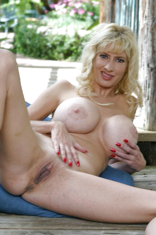 Breast implant nude pics