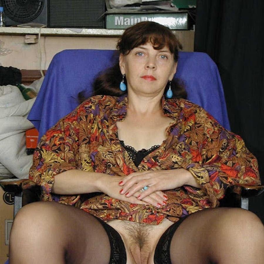 зрелая жена без трусов