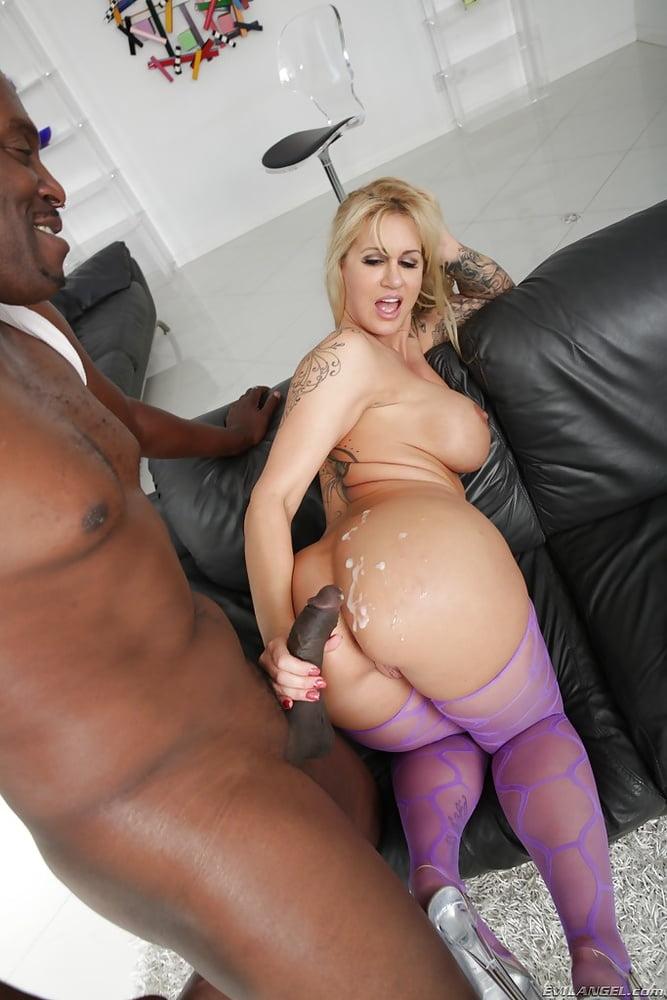 Big booty interracial clips 12