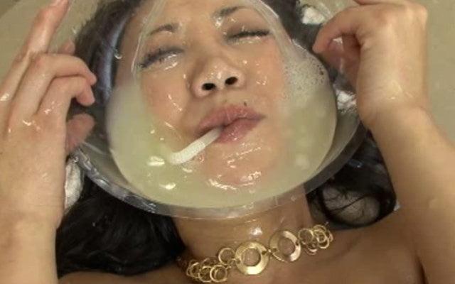 видео ванна из спермы - 12