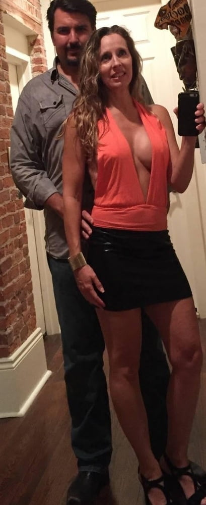 Donna Exposed as a Total Slut - 35 Pics