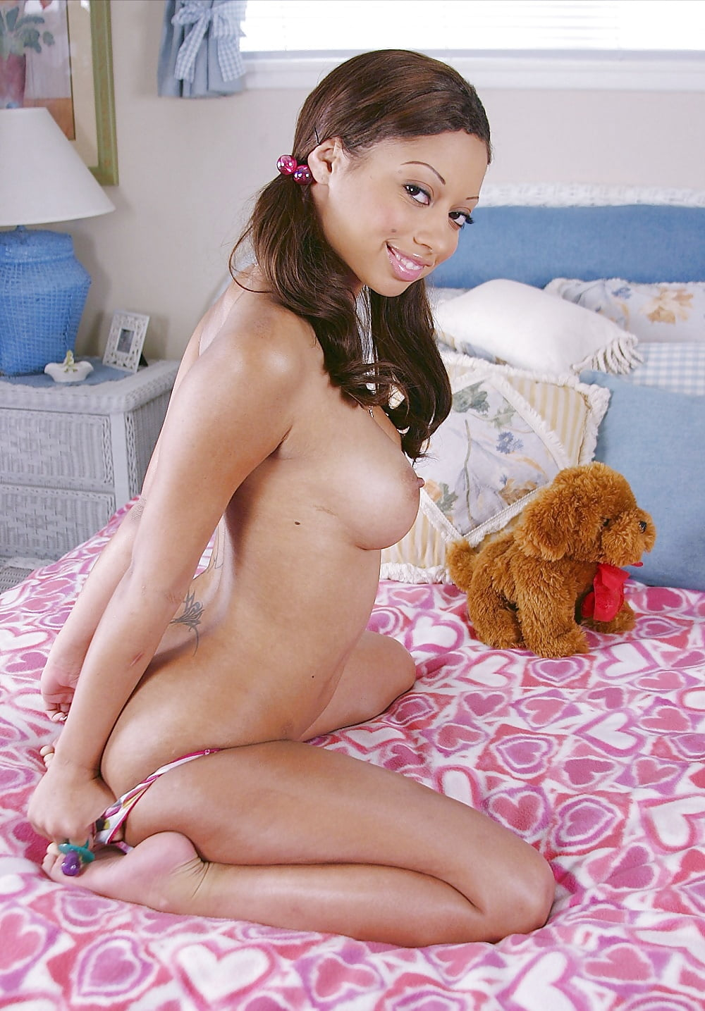 girl-squirt-barely-legal-teen-girl