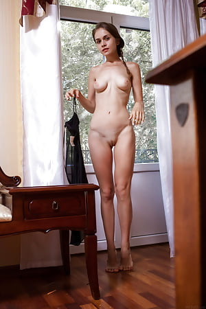 standing nudes