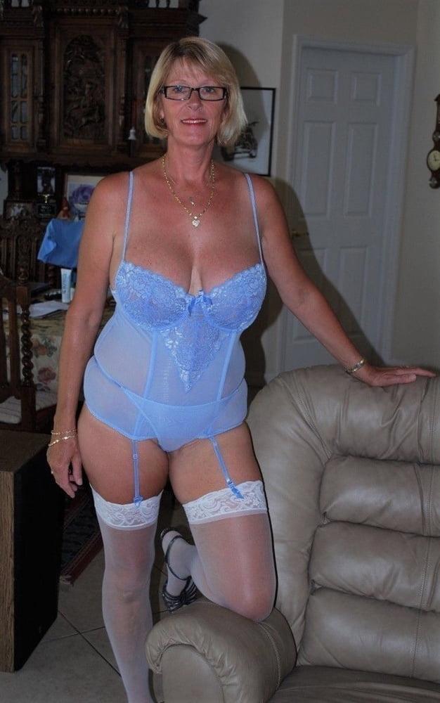 sex-mature-lingerie-pics-gallery