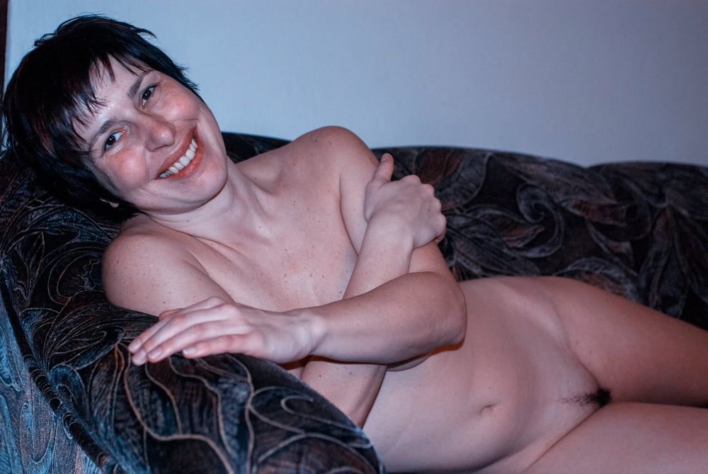 Mature naked selfie pics