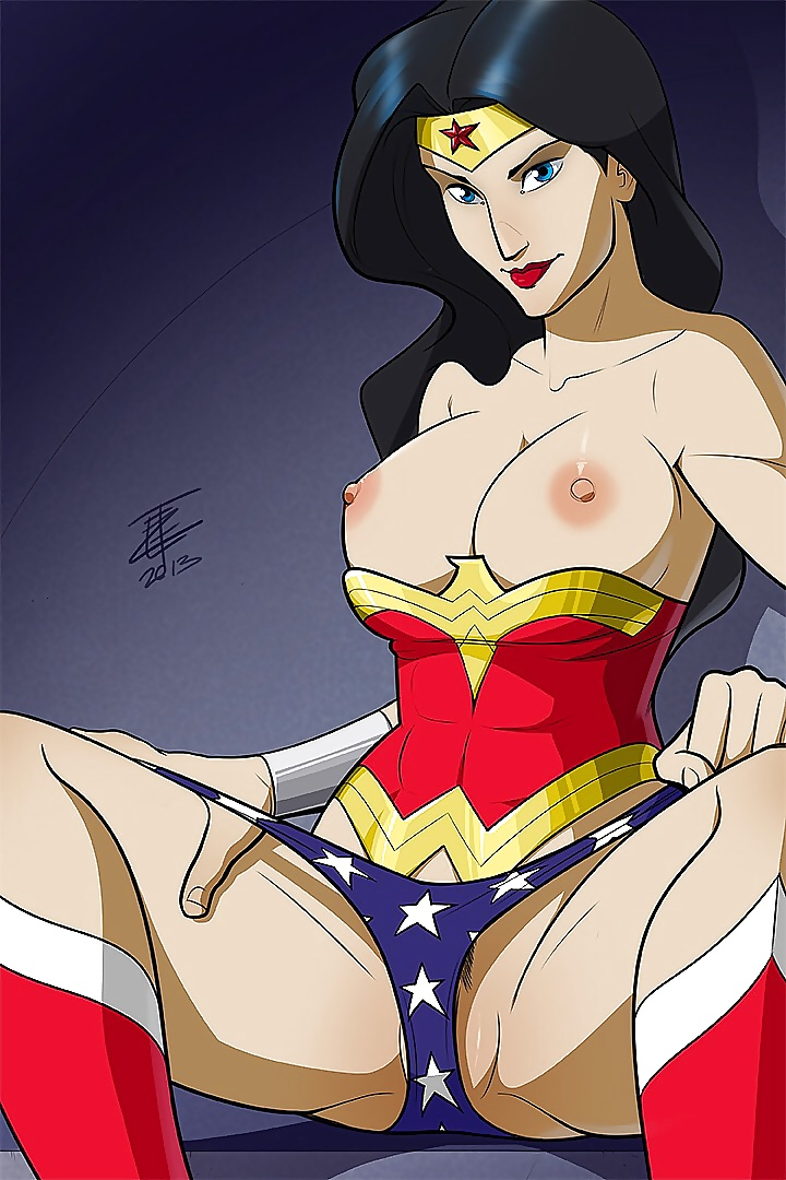 Wonder woman naked ass
