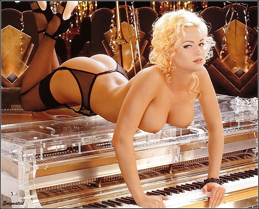 Heather kozar nude photo