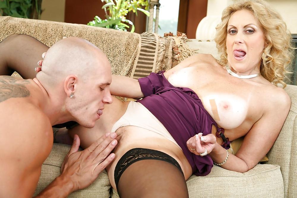 Dana devine hot images