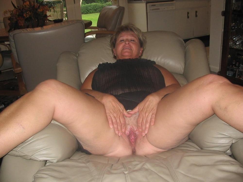 El ladies mature woman amateur