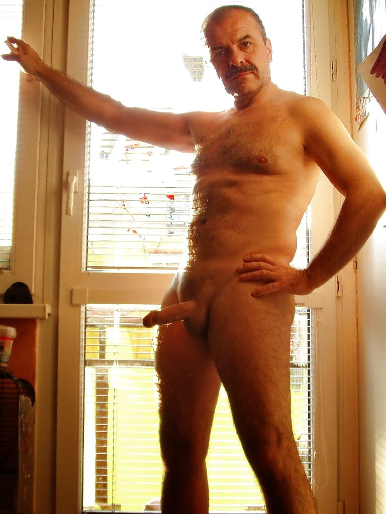 Topless Pictures Naked Men Blogspot Pic