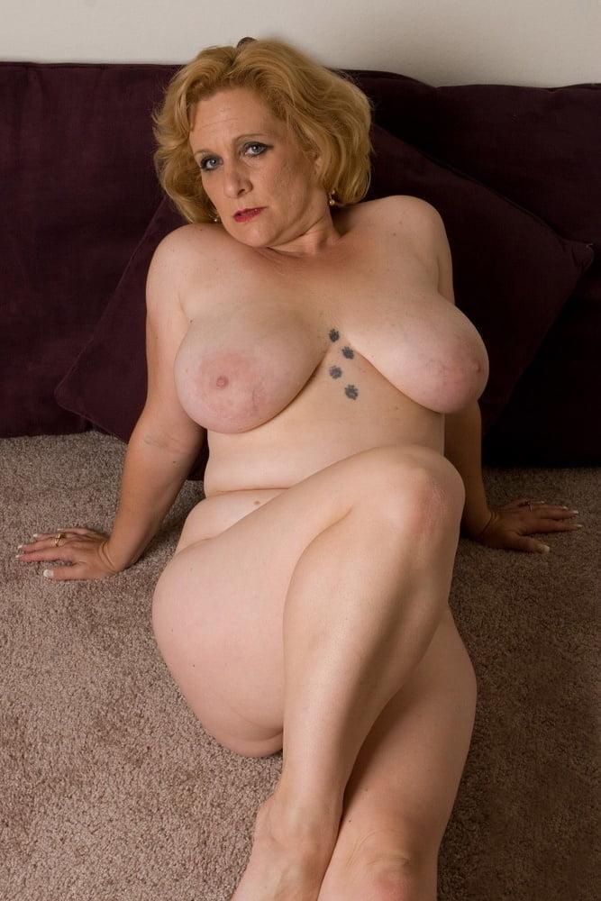 Mature Big Tits Housewives