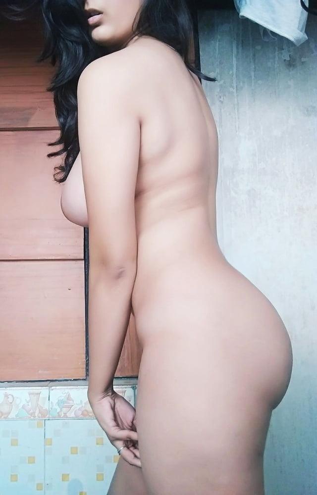 Hot Babe big Boobs - 30 Pics