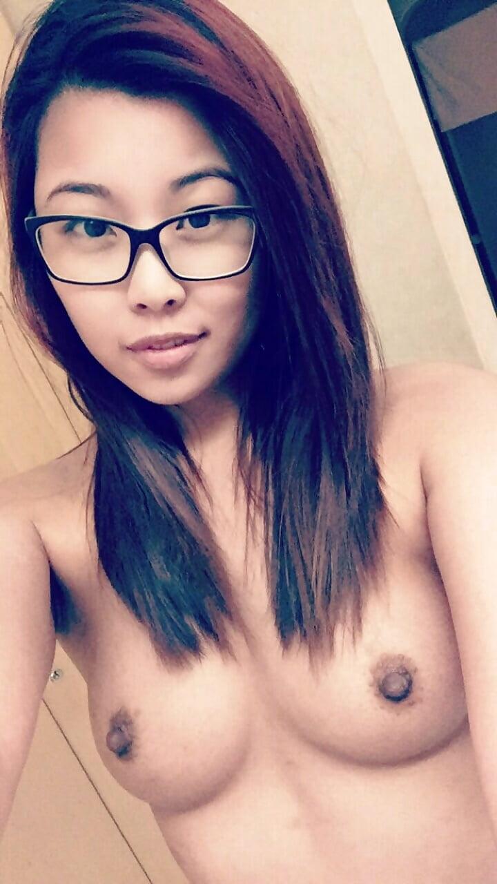 Nude skinny girl big pussy lips