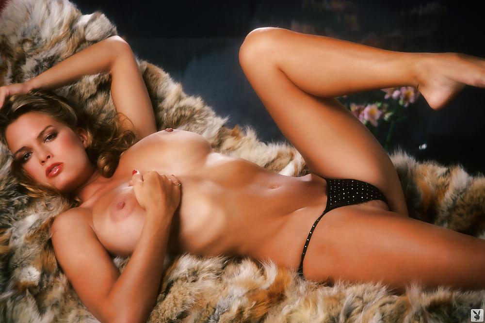 Девушки плей боу порно фото, порно видео трансов каталог