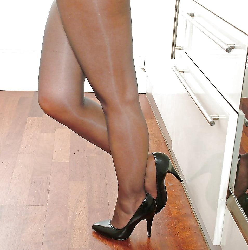 Free pantyhose high heels — pic 5