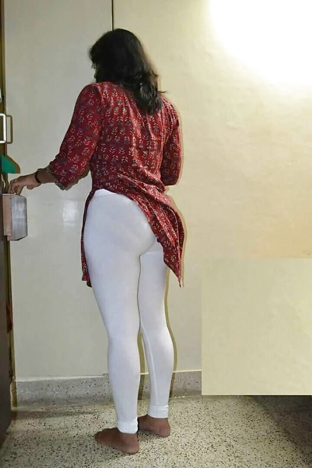 Lay interracial mallu girls sexy thighs in leggings girls