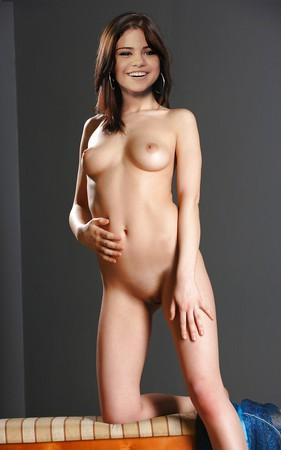 Celeb Selena Gomez Nude Pussy Scenes