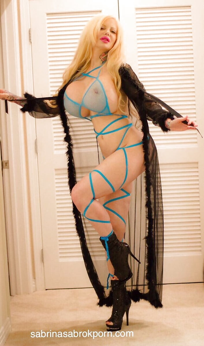 sabrina-sabrok-hot-naked