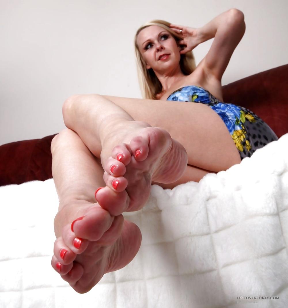 Mature feet movies — photo 12