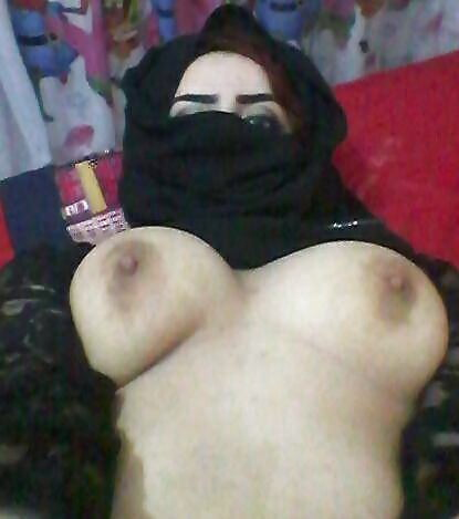 Syrian girls boobs and pussy — photo 1