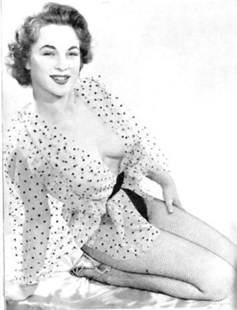 Shirley Anne Field  nackt