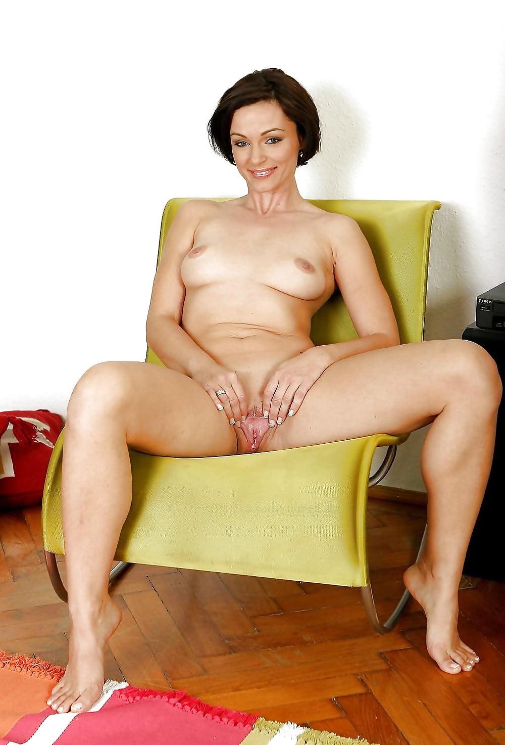 milf-nude-sofa-porn