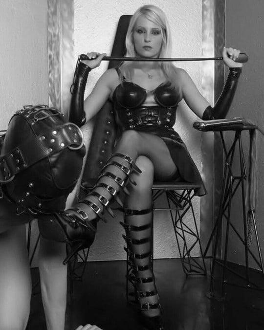 Dominatrix mistress femdom bdsm