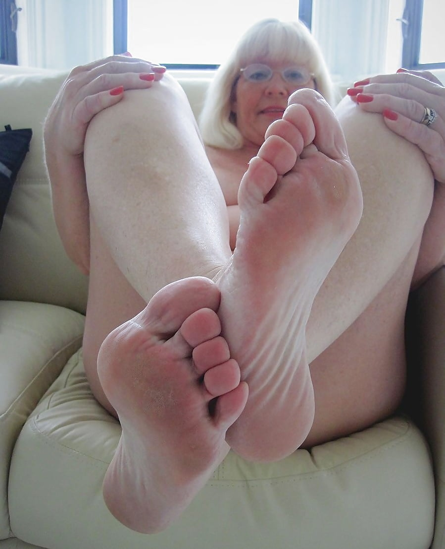 Showing Porn Images For Oiled Soles Porn