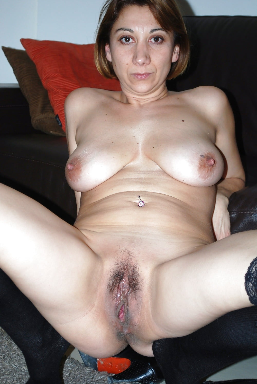 Mature milf with big tits got her pussy licked