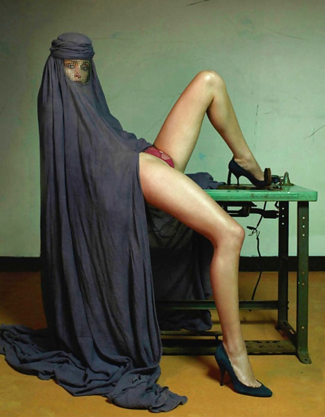 naked-islam-malayali-actress-naked