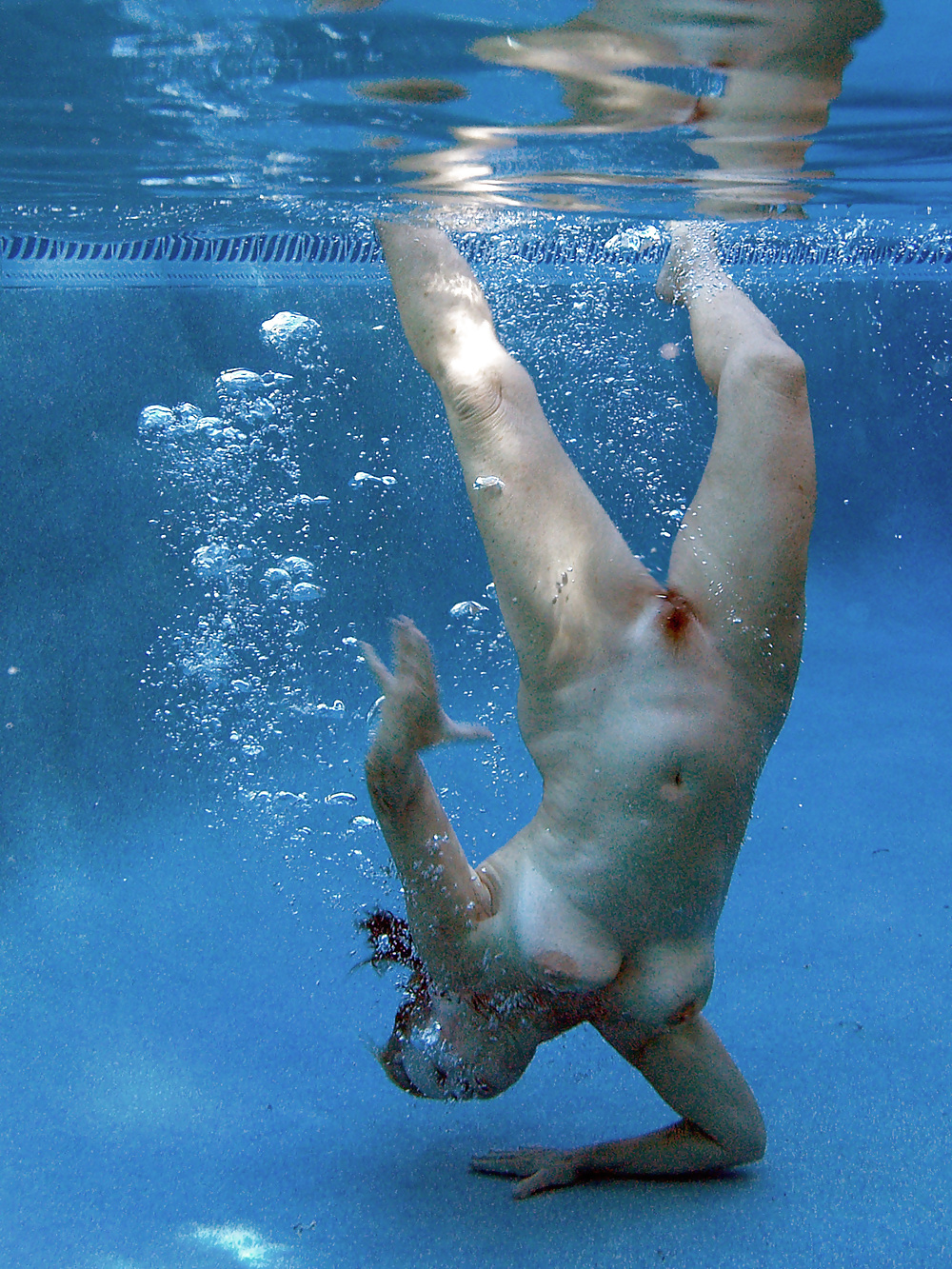 boob-websites-naked-lady-swimming-embarrassing
