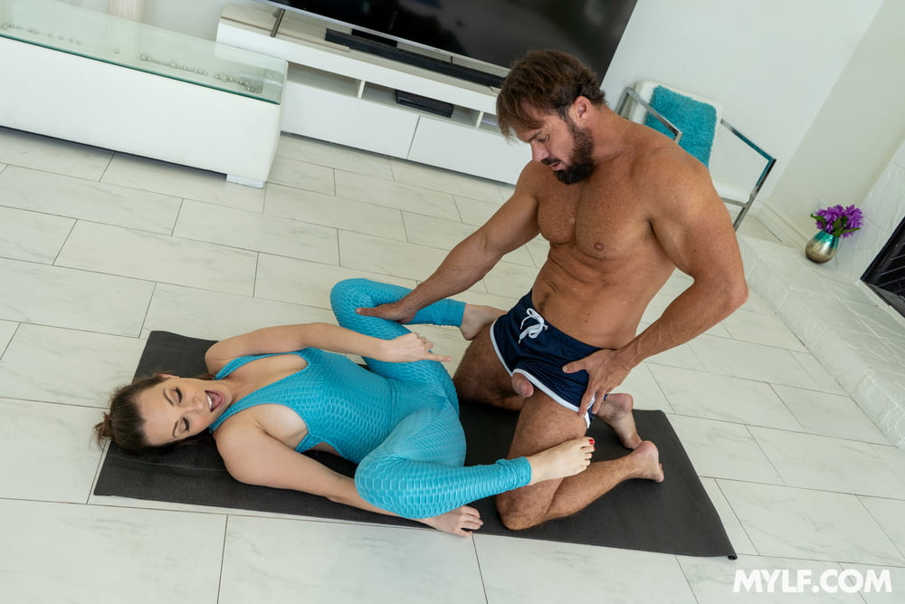 Lily Love - Bending Over - 149 Pics