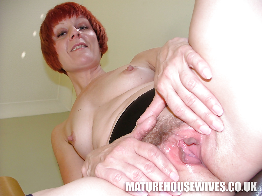 Year Old Milf Penny Brooks Shows Off Her Horny Pussy